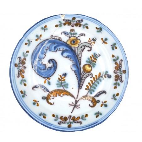 Plato de La Cola de Gallo cerámica siglo XVIII