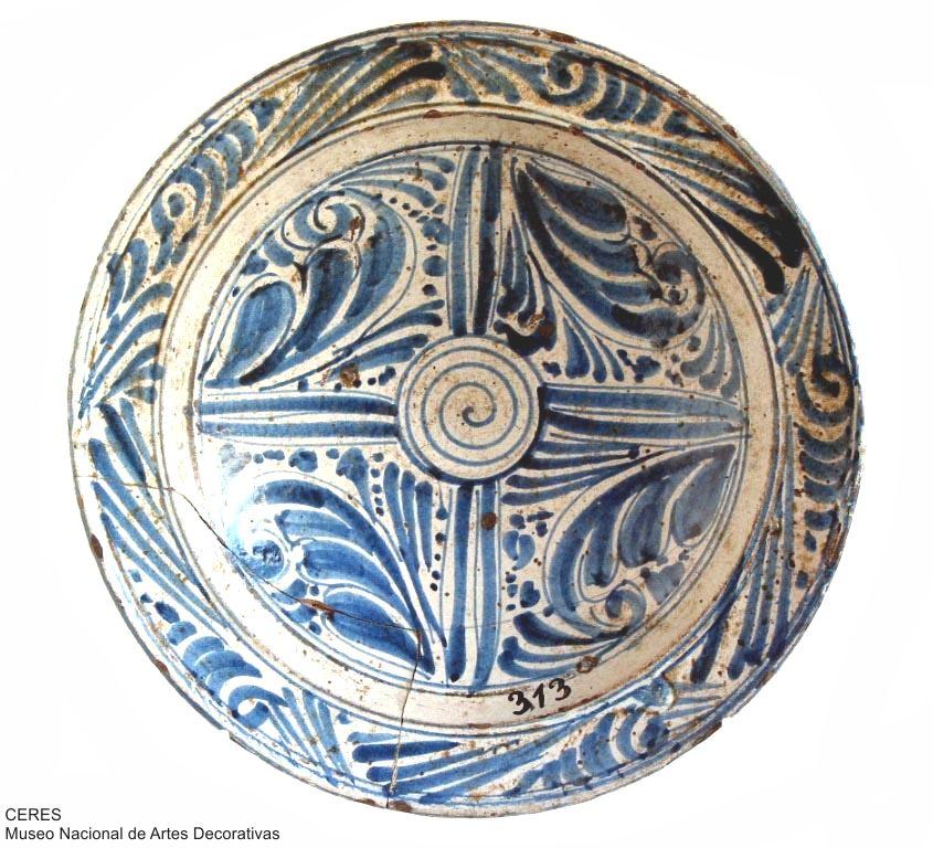 plato espiral loza siglo xvi